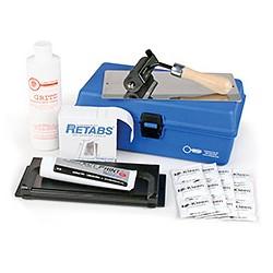 Kit portable empreinte (tube, roulette, plaque étiquette et pince carte (20,3 x 20,3 cm))
